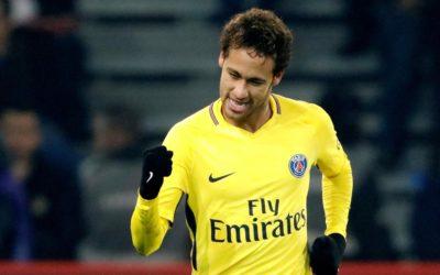 """Neymar comemora 350 gols na carreira e diz: """"Falta um de bicicleta"""""""