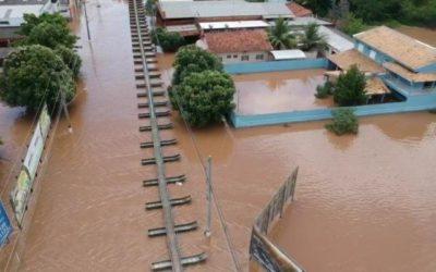 Reinaldo se reúne com prefeitos de cidades afetadas por chuvas e cheias