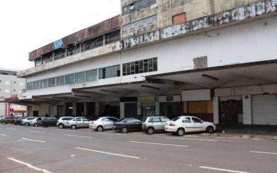 """Empresária reclama de """"abandono"""" na região da Antiga Rodoviária em Campo Grande"""